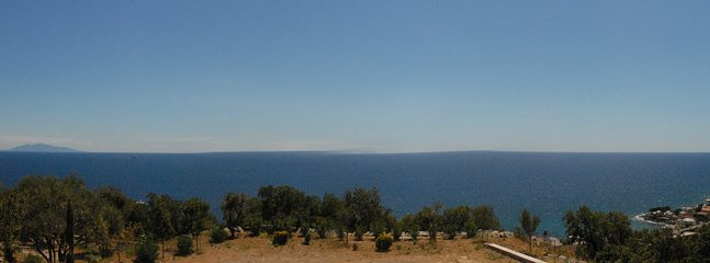 vue magnifique sur la mer à 360 degrés depuis le logement