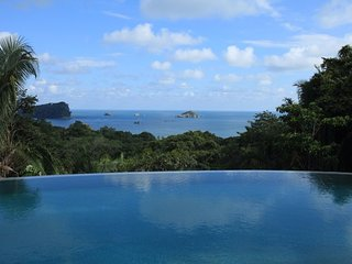 Infinte views of Pacific Ocean and Manuel Antonio National Park