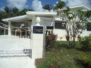 Tropical cottage near beach, 4 pers, 3 bedrooms