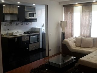 WONDERFUL APARTMENT MIRANDELA NORTH - NEAR SANTA-FE MALL, Bogota