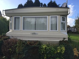 Luxury 6 berth static caravan for hire at Glebe park,Bridestowe,Devon.