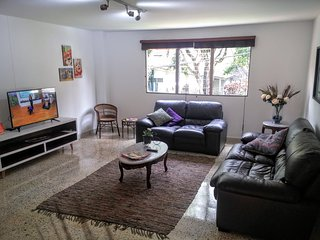 Stunning Spacious Apartment in Lovely El Poblado! Feel at Home :)