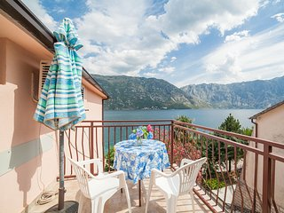 Apartments Milja - Quadruple Studio 10, Kotor