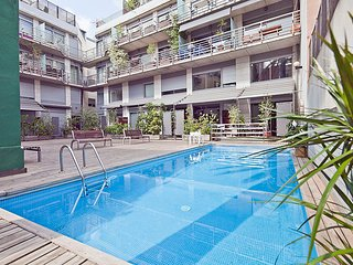 Flat in the Putxet area in Barcelona Center for 8