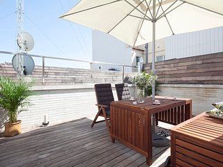Penthouse in Gracia for 8 with Terrace and Pool