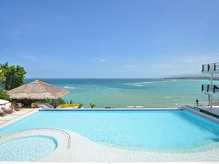 3 BR Cohiba Oceanview Luxury Suite!, Boracay