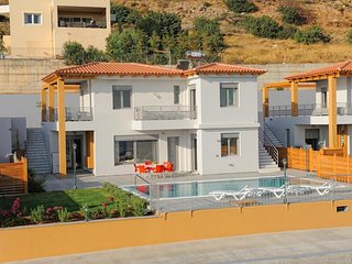 Deny Villa In Koutouloufari, Near Hersonissos, Crete