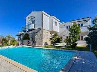 Villa Nicol