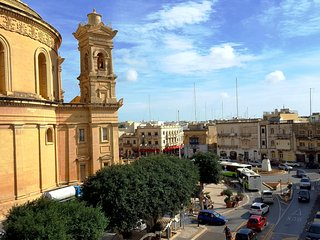 TAFERNINE STUDIO IN THE HEART OF MOSTA SQUARE