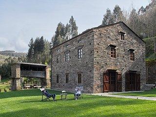 Complejo rural exclusivo, en el corazón de los Oscos, muy cercano a Taramundi., A Pontenova