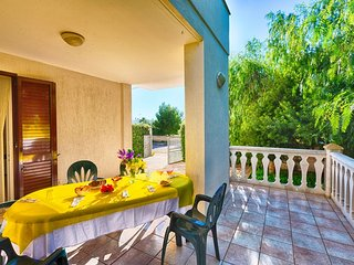 Brigida - Villa in Puglia for rent 2 bedroom- Beach at 250 m - walking distance, Torre Santa Sabina