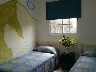 habitacion doble con vistas en Del pino Hostel