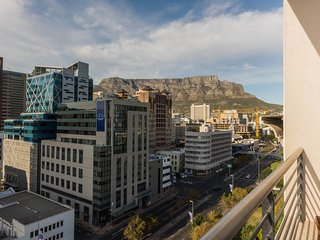Spacious 1 bedroom apartment in the centre of Cape Town