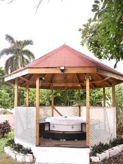 Jacuzzi Retreat  This area has proved to be a favourite spot for our guests accommodates 6 people