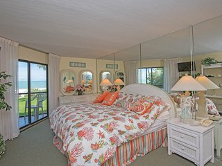 Master bedroom King bed with view of Gulf of Mexico