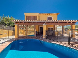 SPACIOUS VILLA for 10 - Pool and BBQ in Paguera, Peguera