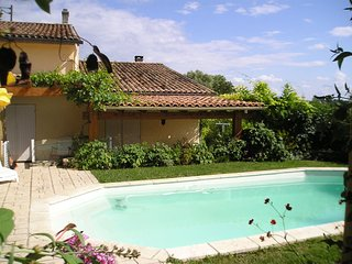 4 Bedroom villa with private pool overlooking vineyards, Fronsac
