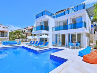 Turkey private villa rental with 10 minutes walking distance to Kalkan and shops