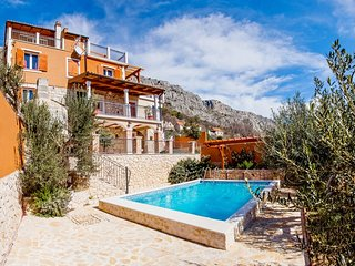 Villa Diana Private roulette, tavern & pool, 4 bedrooms, 4 terraces, sea views, Krilo Jesenice