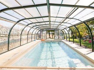 Chambre ROSE, Chambres d'Hotes SAINT ROCH, sejour et cuisine partages, piscine