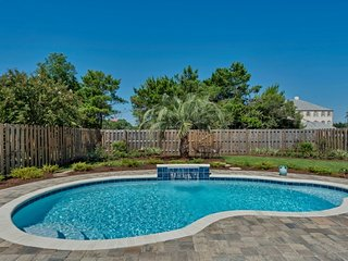 Walk to Beach * Private Saltwater Pool * 4BR * Fenced Backyard * Gated * Quiet *