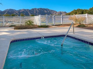 PGA West Mountain View Condo, Top Floor, Pool and Spa Access