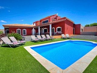 8PAX - Villa Ada