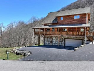 Luxurous Mountain Home, Waynesville