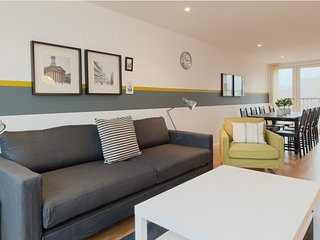 Fantastic 2 Bedroom Apartment in the City, Glasgow