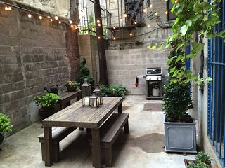 Private Garden Apt in Manhattans best Neighborhood, New York
