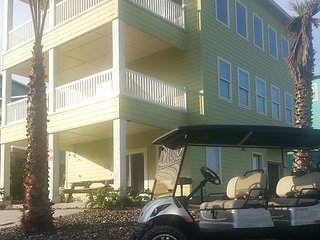 Ocean Lookout: AMAZING VIEWS, Free Golf Cart, Boardwalk, Pool, Port Aransas