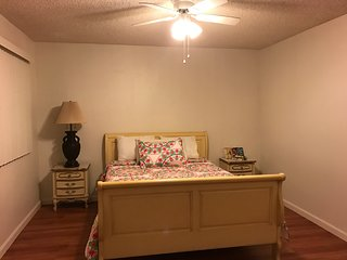 Huge 2BD/ BATH. Apt. fully furnished in Glendale, Burbank