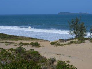 Quarto Amplo e Novo com Lindo VIsual- Praia da Gamboa