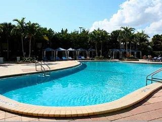 Two Bedroom Apartment for 8 persons, Sunny Isles Beach