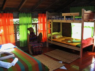 AYAMTAI JEA GUEST HOUSE I, Banos