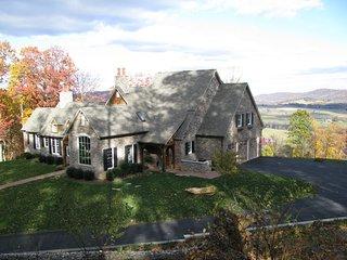 Vista Magnifique, a private 50 acre mountain-top estate in wine country, Hume