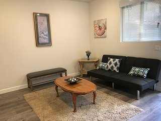 Gorgeous fully  furnished  apt /with all amenities