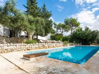 Trullo  Pietra Antica, Classic Collection, Self Catering with Pool, Carovigno, Puglia