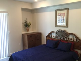Perfect Spacious 2 Bed/2 Bath Unit in Van Nuys