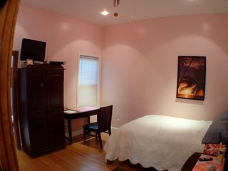 Quiet Bedroom/with private bathroom
