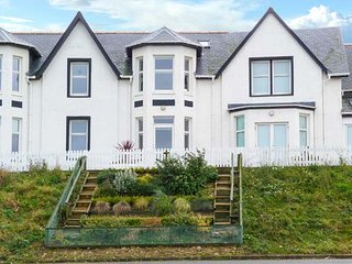 SEABREEZE, seaside location, pet-friendly, WiFi, in Inverboyndie near Banff, Ref