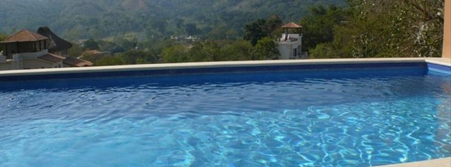 Mountain View Villa Capturing Pacific Breezes