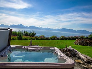 Gorgeous Home w/ Incredible Ocean & Mountain Views, Homer
