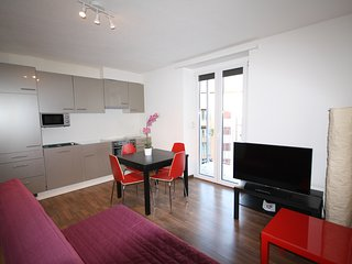 ZH Raspberry - Oerlikon HITrental Apartment Zurich