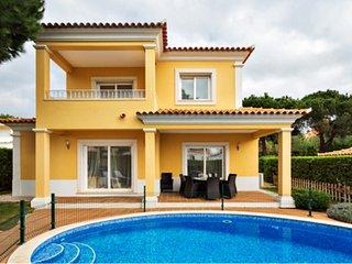 Villa Ruzuela, Lovely 4 en-suite BR's and Private Pool near Marina & Golf Course, Vilamoura