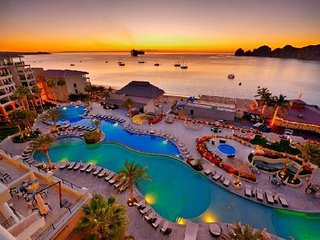HOLIDAY Rate! 12/22/17-1/5/18.  2 bedroom! Ocean front $600 /night can sleep 8!, Cabo San Lucas