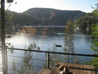 8 Dusthole Point - Quirky 'Tree House' Riverfront Escape, Berowra Waters