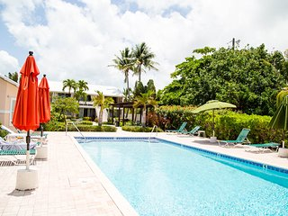SMB-Newly renovated 2Bd/2Bath,, Seven Mile Beach