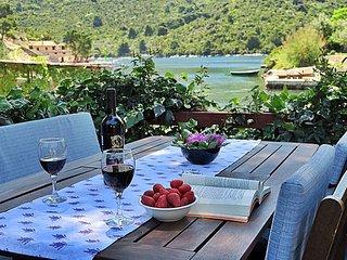 Quiet Apartment on Adriatic Rea, Sobra