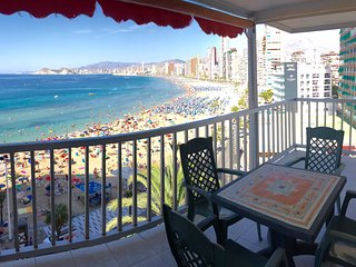 SEAFRONT LEVANTE BEACH 3 BEDROOMS, Benidorm
